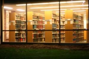 Thomas Jefferson Library: tempat bikin tugas, tempat jatuh cinta, bahkan tempat doozing off kalau sore.