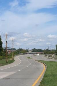Florissant Road: rute jalan dari apartemen ke kampus. Bayangkan saja kalau malam.