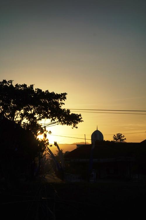 when the sun setting down