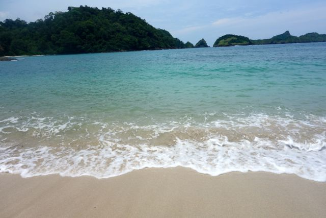 beach at Wedi Ireng.